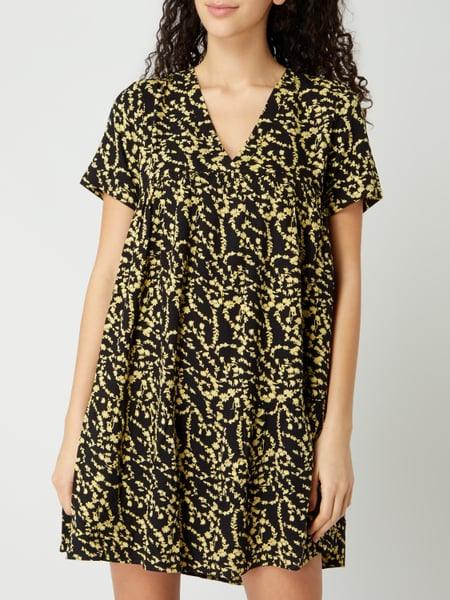 Pieces Kleid Mit Floralem Muster Modell 'Nadin' In Grau