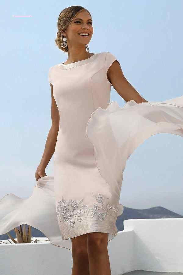 Pin Von Alice Karnicki Auf Abendkleider In 2020  Kleidung
