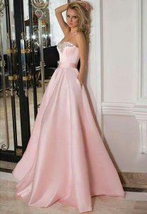 Pin Von Brenda Van Zyl Auf Evening Gowns Mit Bildern
