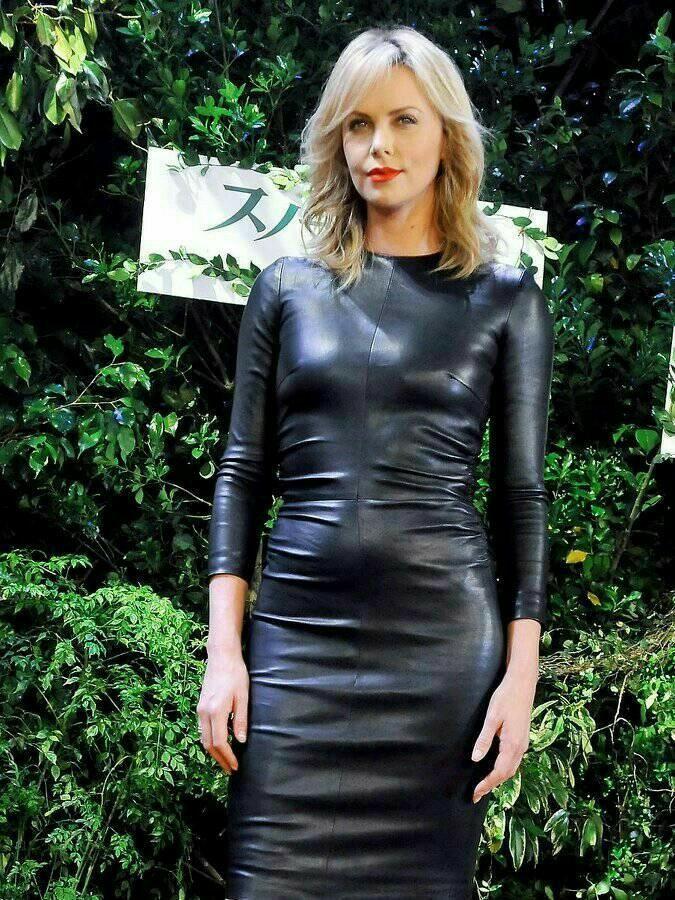 Pin Von Валерий Auf Mode Für Frauen In 2020  Kleid Und