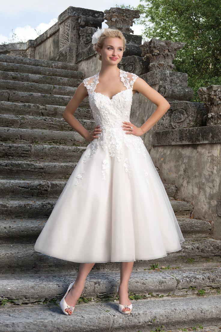 Pin Von Letitia Wright Auf Brautkleider  Rockabilly Kleid