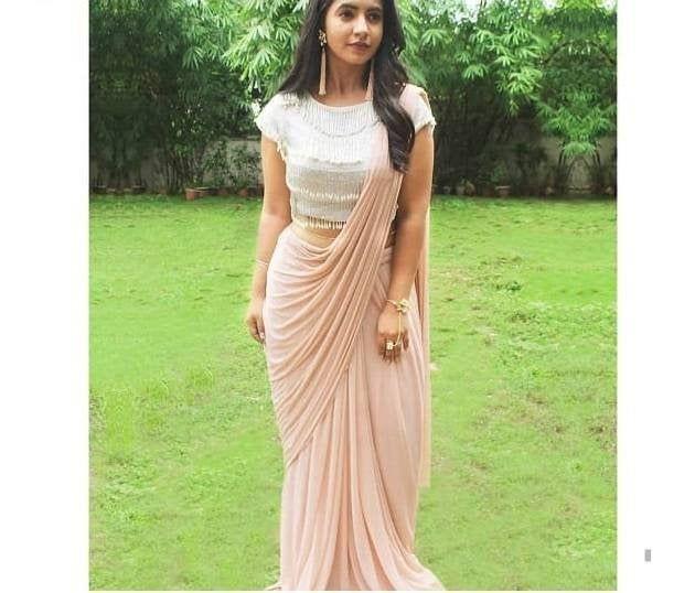 Pin Von O J Auf Kleider  Indische Outfits Indische