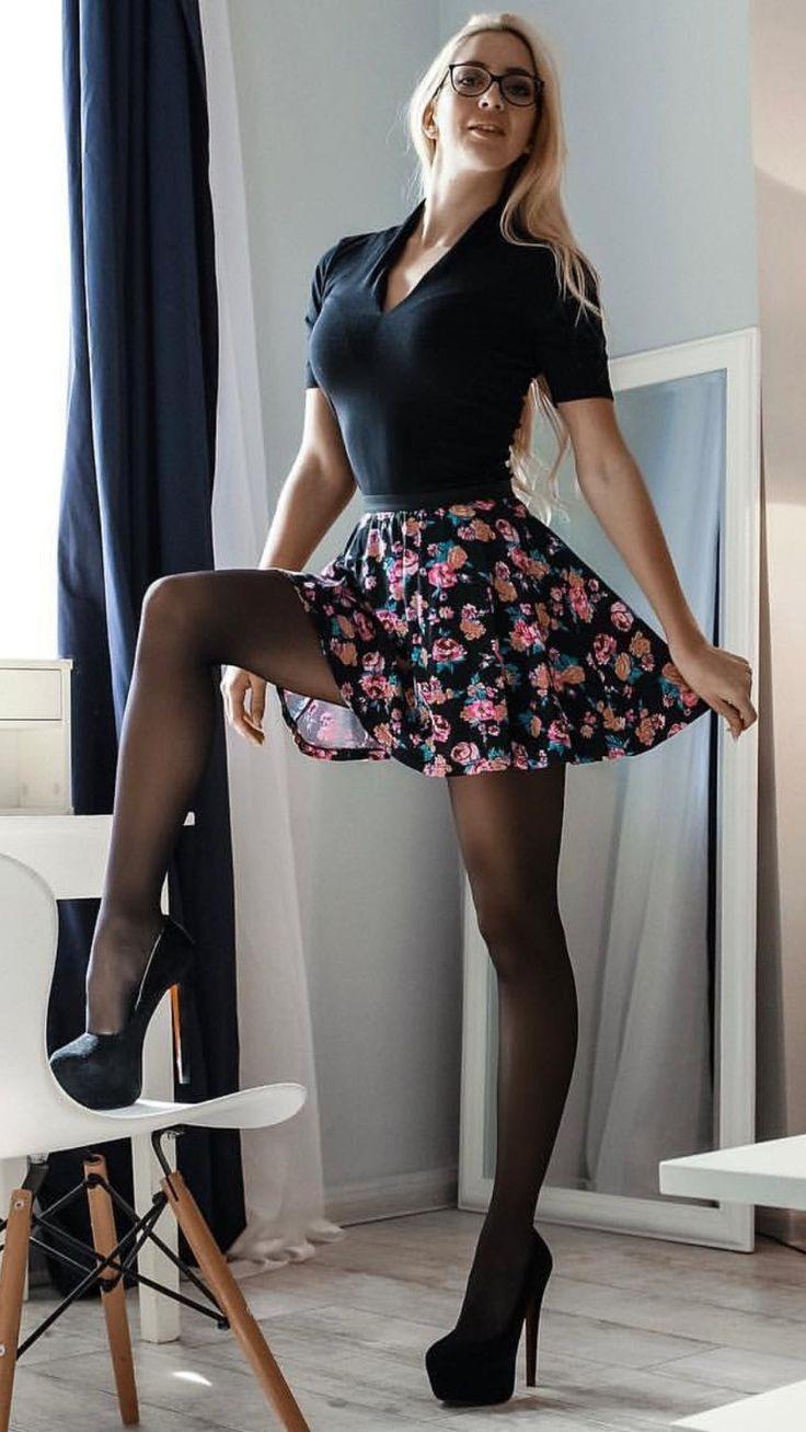 Pin Von Ro Tü Auf Foto  Enges Kleid Frau Modestil