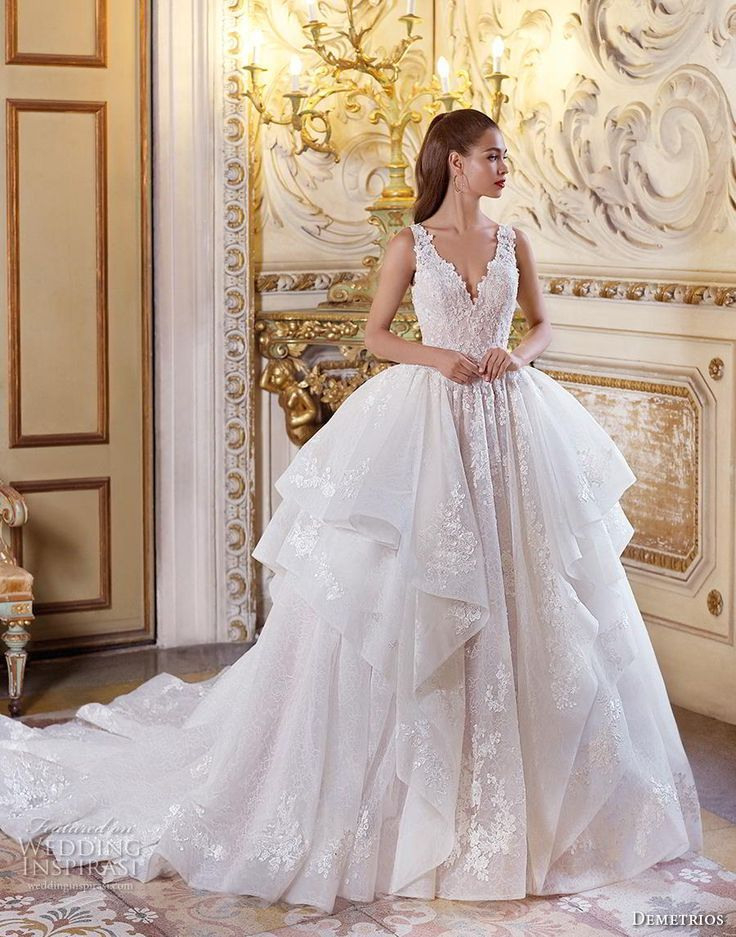 Platindemetrios 2019 Brautkleider  Prächtiges