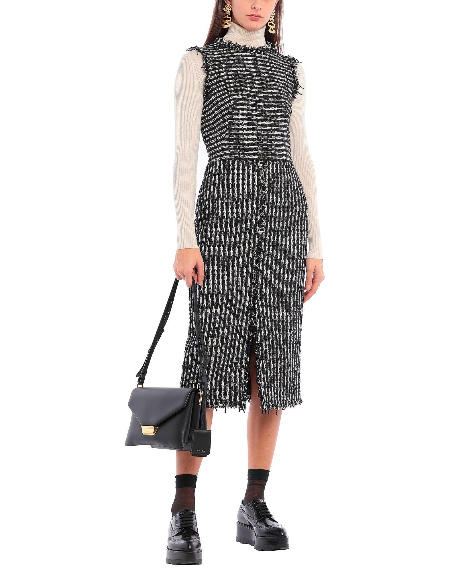 Prada Schultertasche  Tasche In 2020  Kleid Arbeit