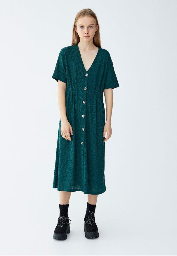 Pullbear Kleider Online Kaufen  Entdecke Dein Neues