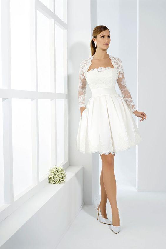 Romatisches Brautkleid Für Das Standesamt  Hochzeit