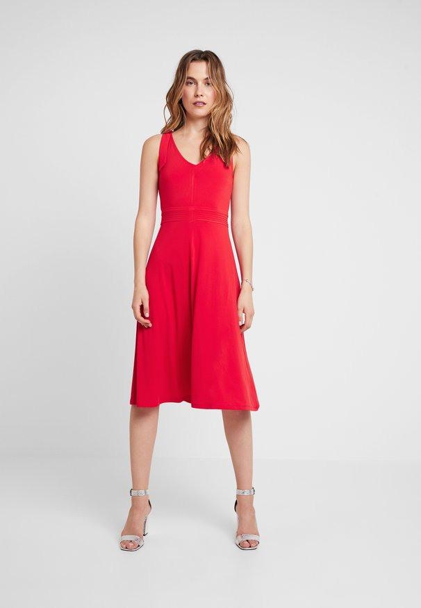 Rote Kleider Online Kaufen  Entdecke Dein Neues Kleid Bei