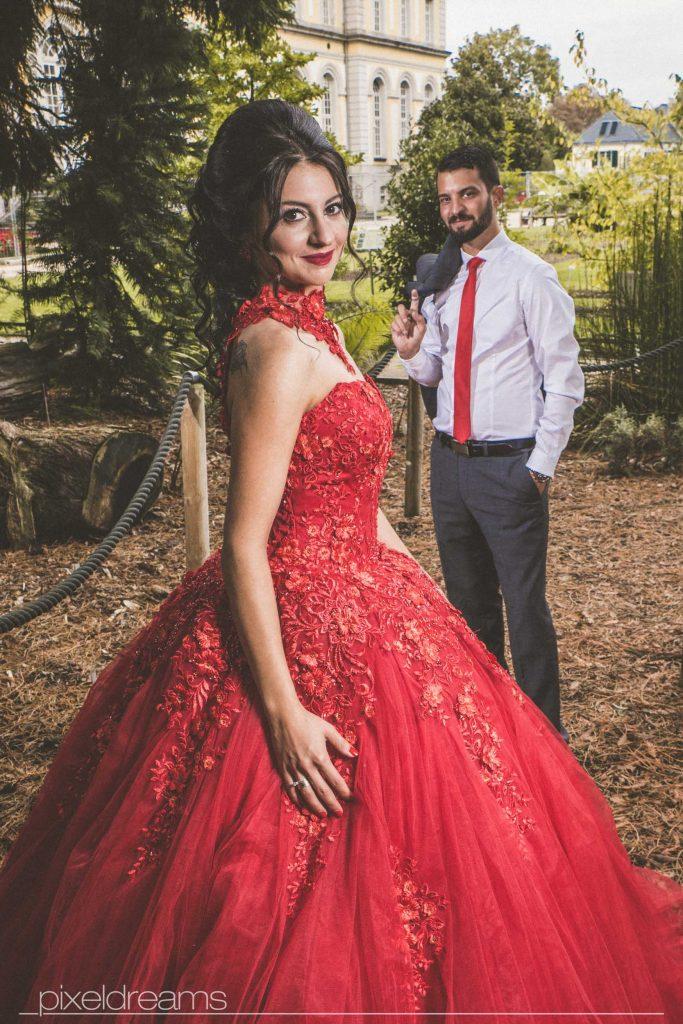 Kleid hochzeit rotes Rotes Kleid