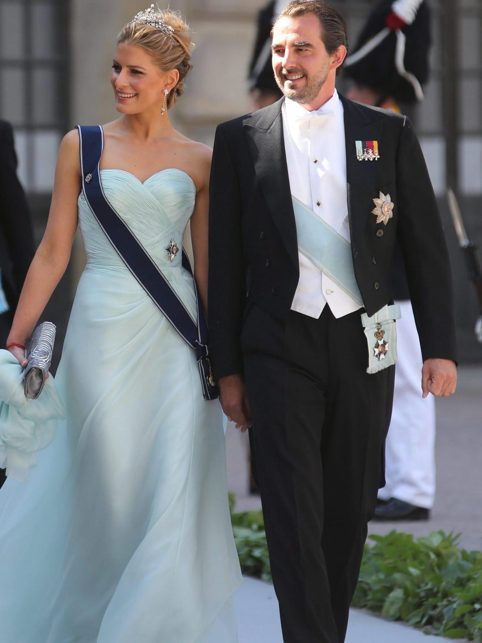 Rotes Kleid Hochzeit Schweden  Abendkleid