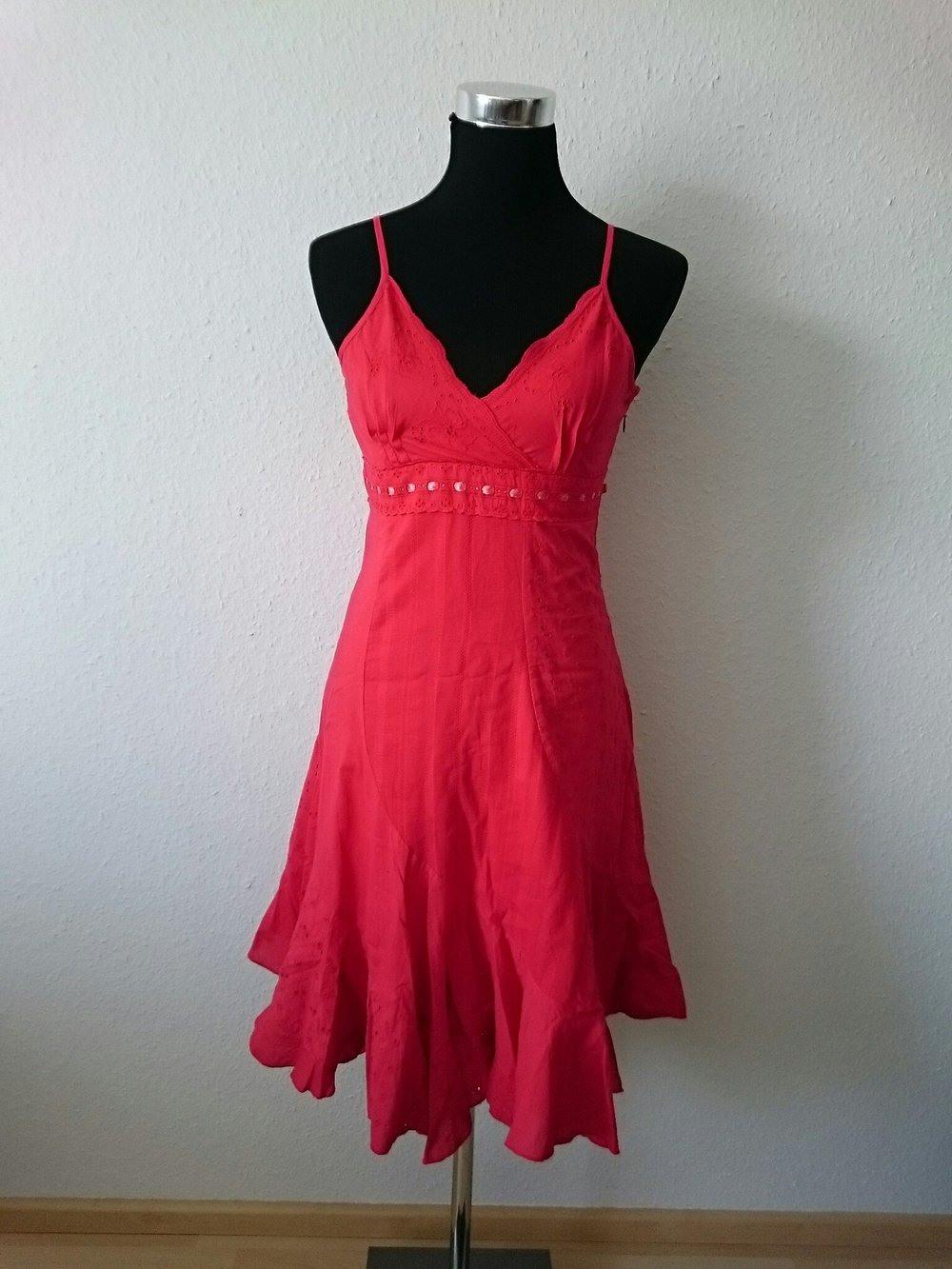 Rotes Sommerkleid  Kleiderkorbde