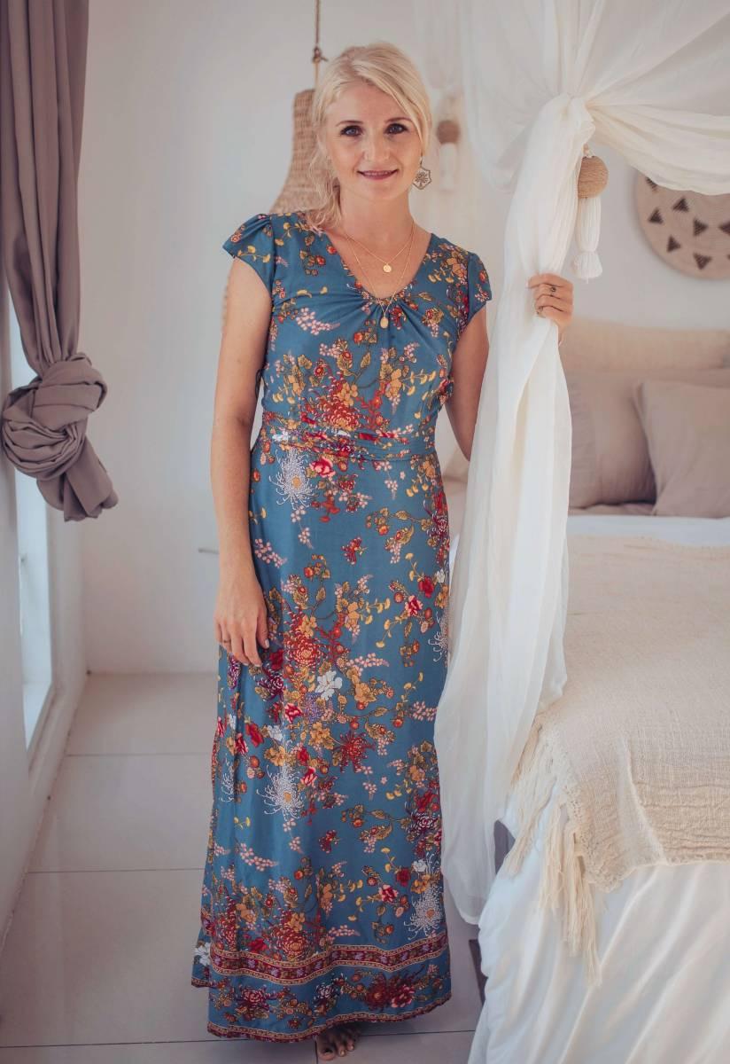 Rückenfreies Kleid Bodenlang In Blau Im Boho Style Mit