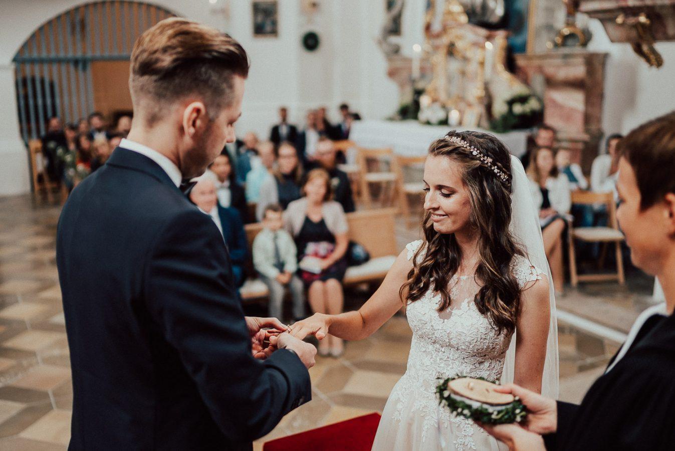 Rustikale Hochzeit In Oberbayern  Dominik Lenz Photography