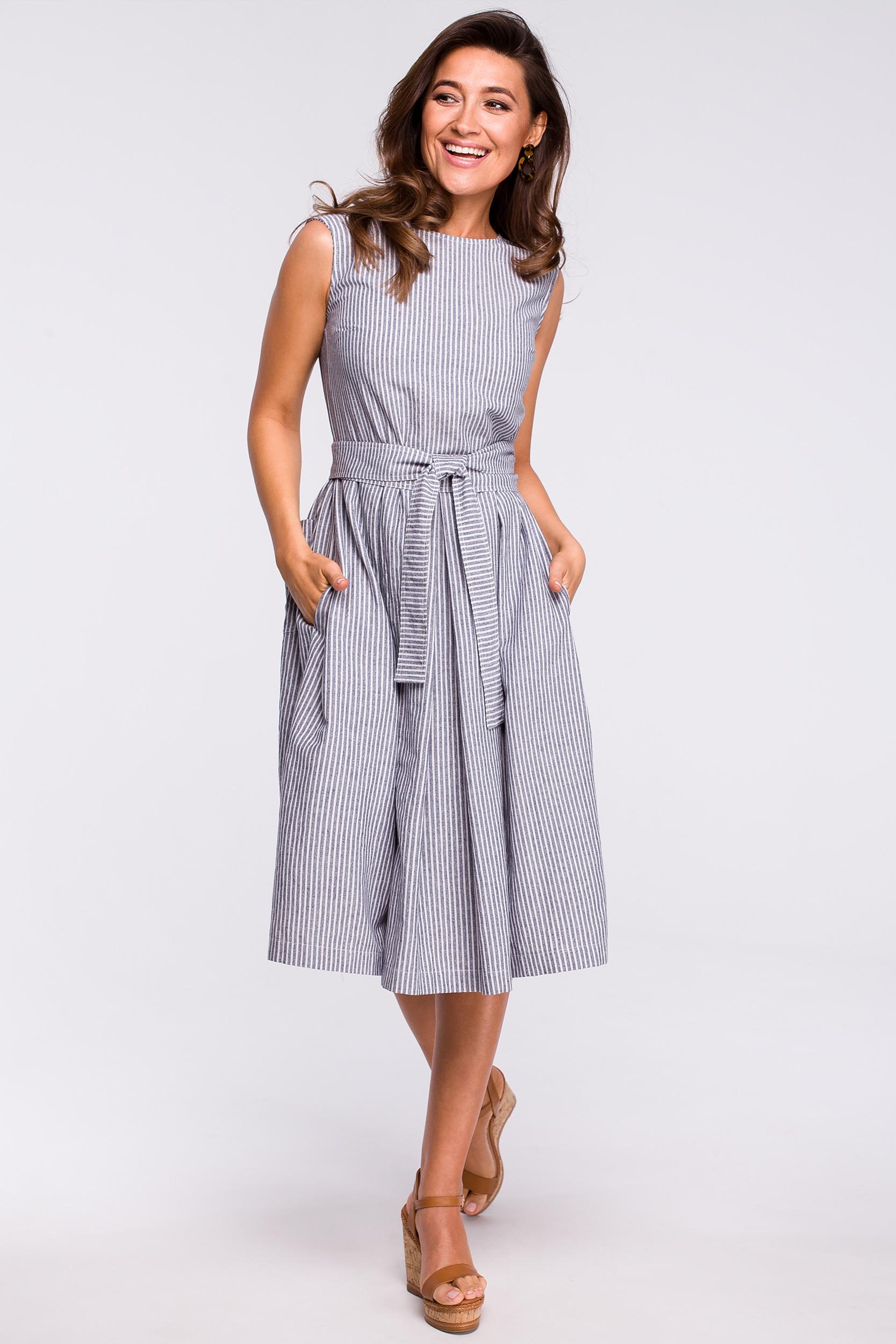 S162 Geripptes Kleid In Kellerfalten  Stylovede