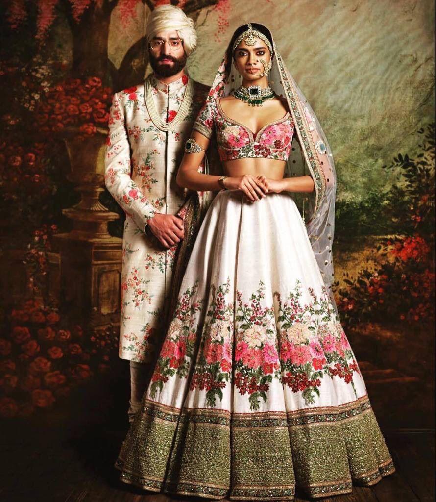 Sabayaschi  Indische Mode Indische Hochzeitskleider