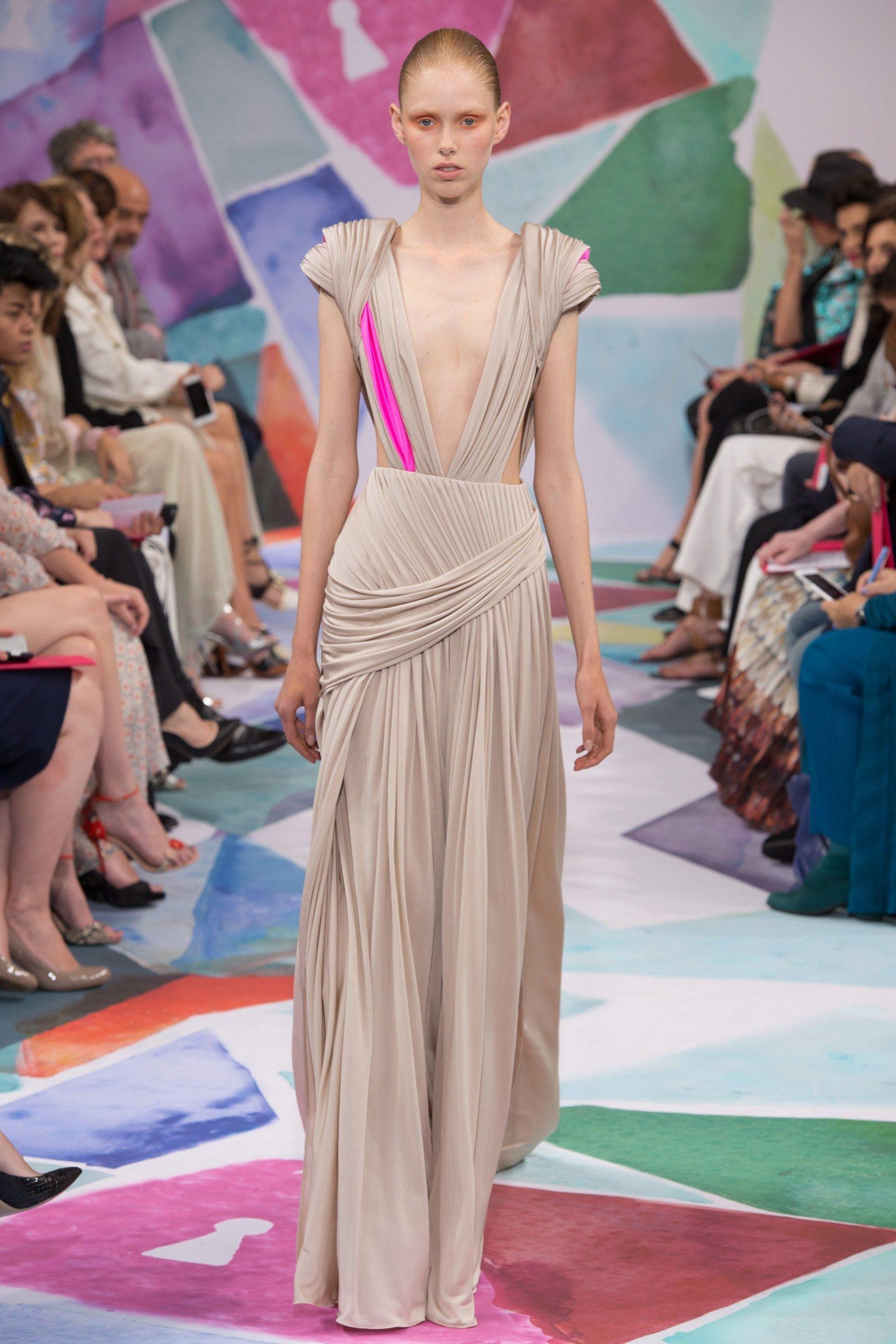 Schiaparelli Fall 2016 Couture Fashion Show Mit Bildern