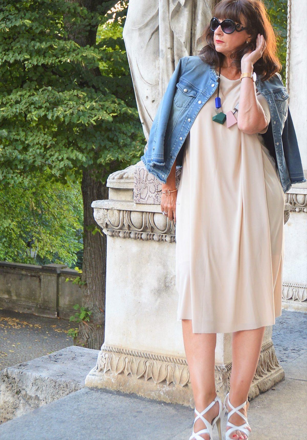 Schickes Sommerkleid Von Cos  Martina Berg  Lady 50Plus