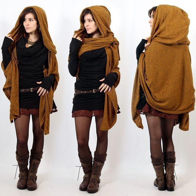 Schöne Frau In Riesen Schal Gehüllt  Alternative Kleidung