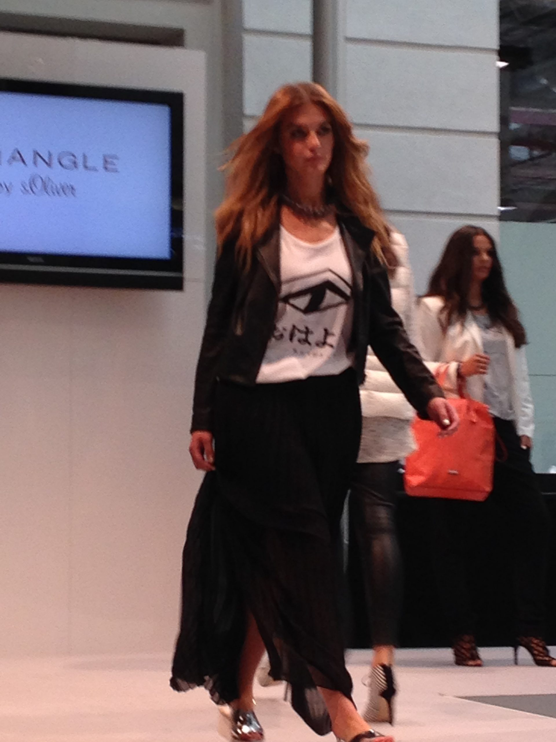 Schöne Kleider Für Große Frauen Trianglesoliver