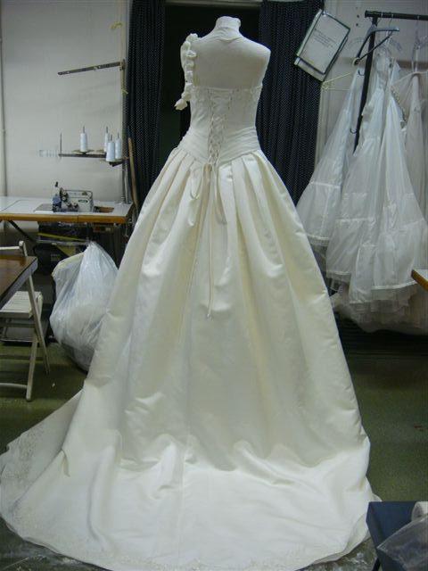 Sissi Hochzeitskleid Rosen  Cindy  Ella Bridal