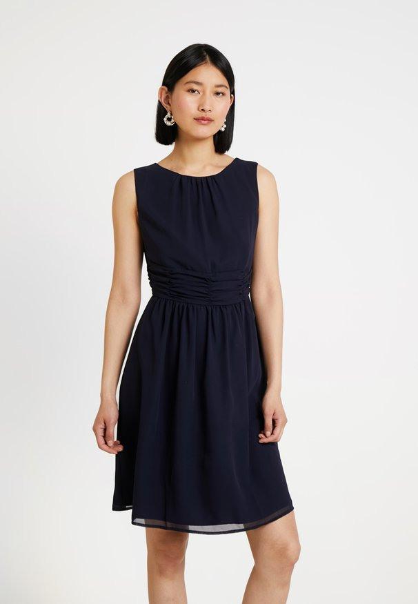 Soliver Kleider Online Kaufen  Entdecke Dein Neues Kleid