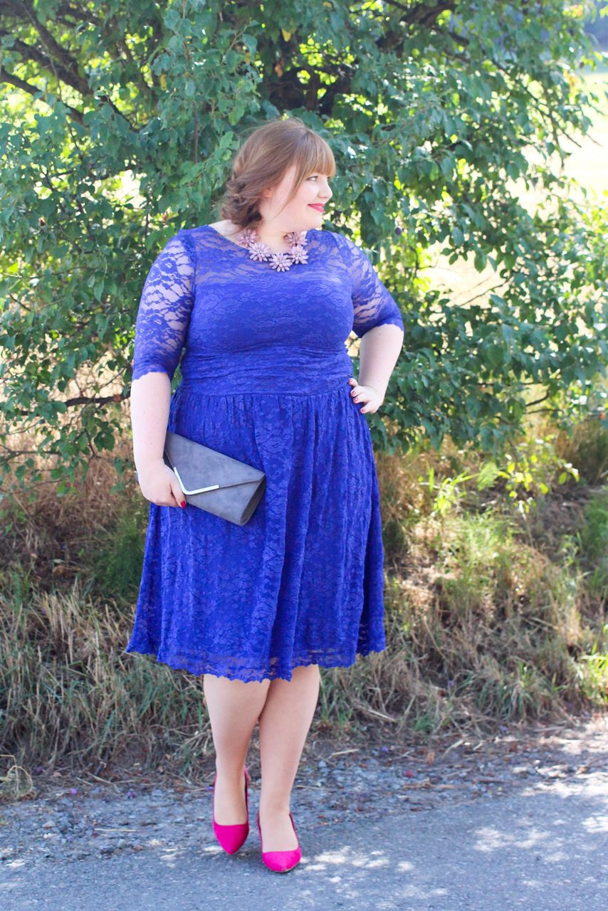 Something Blue Plus Size Hochzeitsgast Outfit