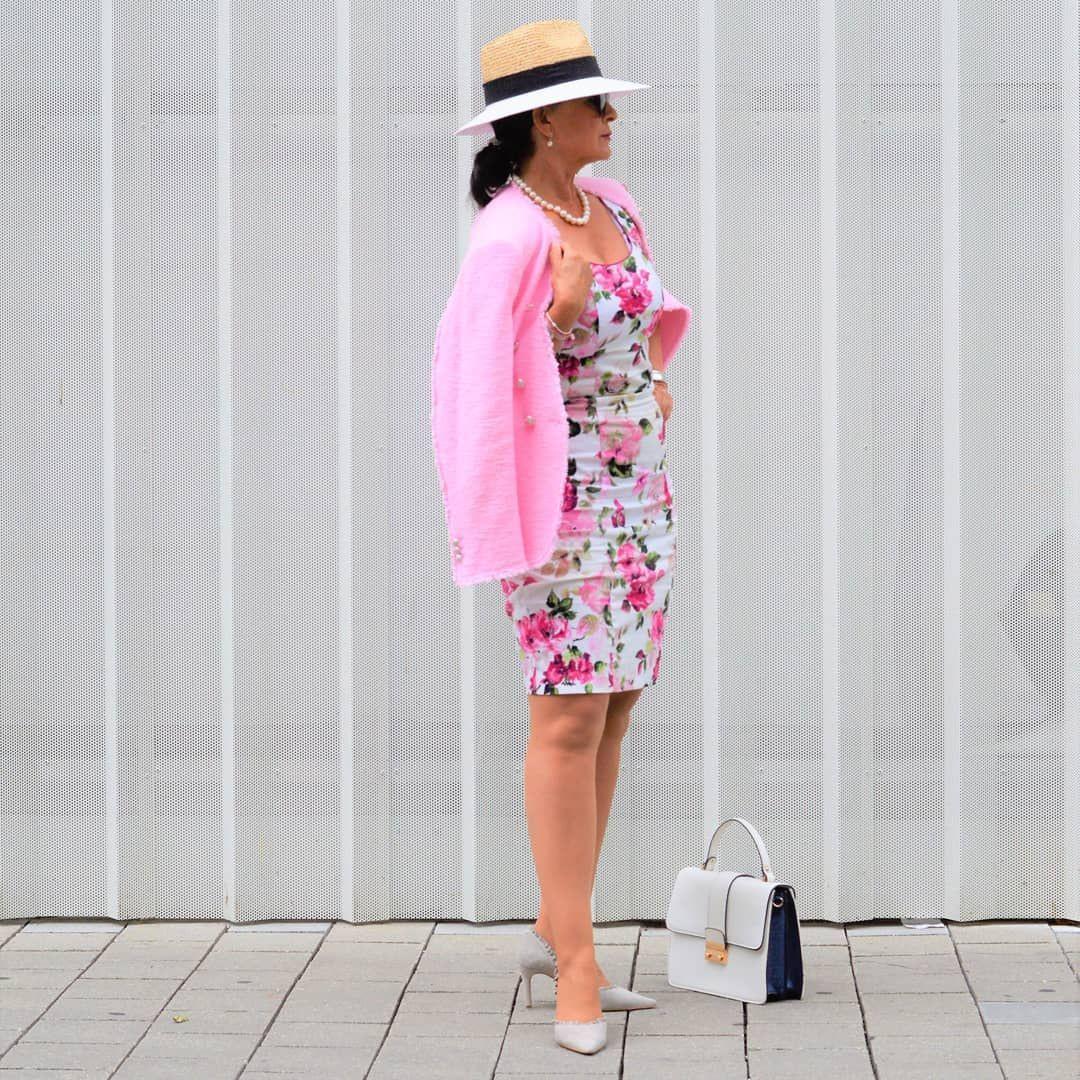 Sommeranfang 🌸🌟🌸🌟 Im Blumenkleid Und Hut Heisse Ich Den