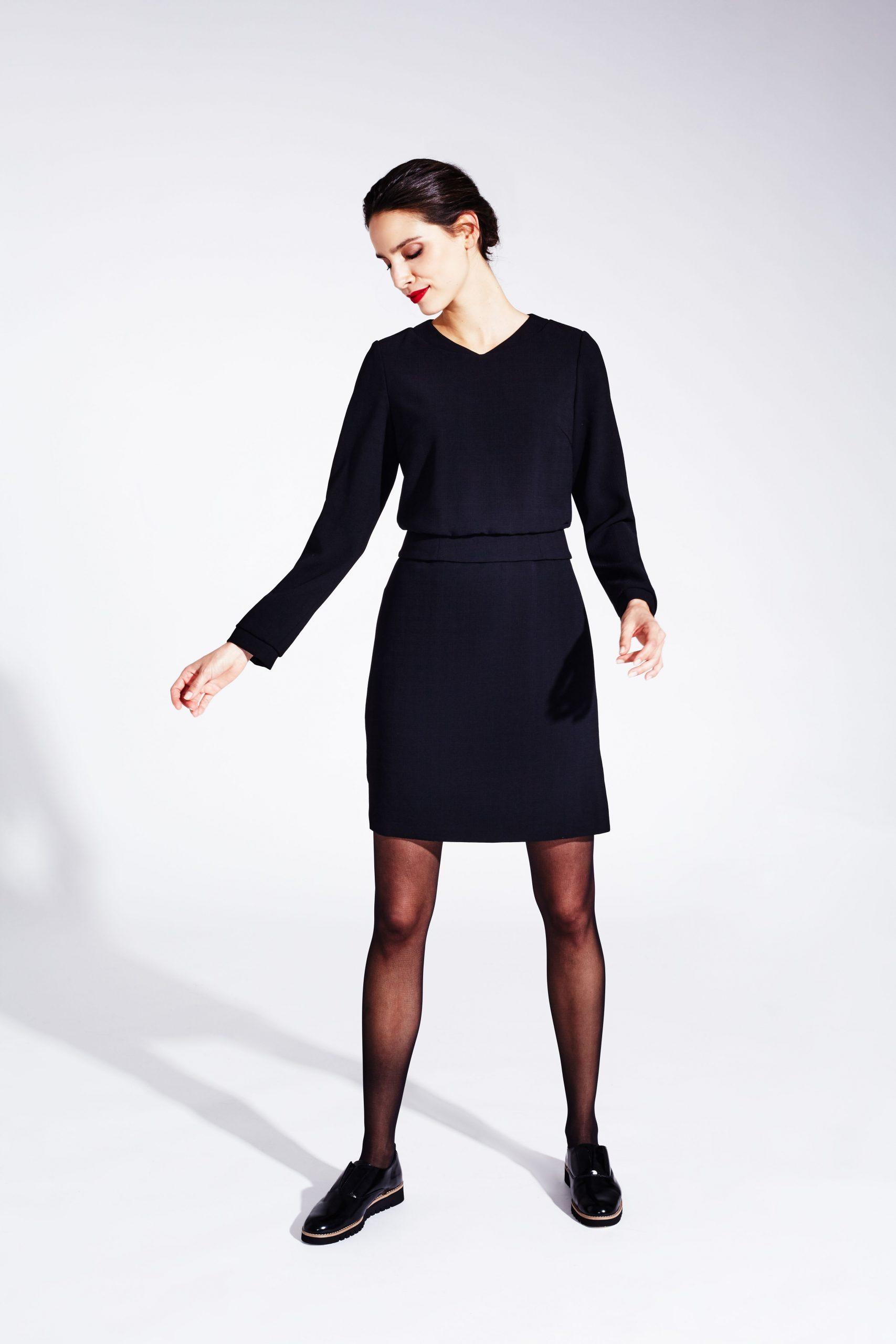 Sportlichschickes Kleine Schwarze Blouson Kleid
