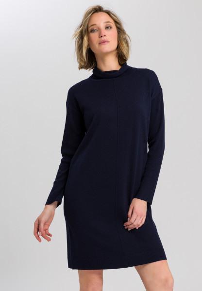 Strickkleid Mit Rollkragen  Kleider  Röcke  Fashion