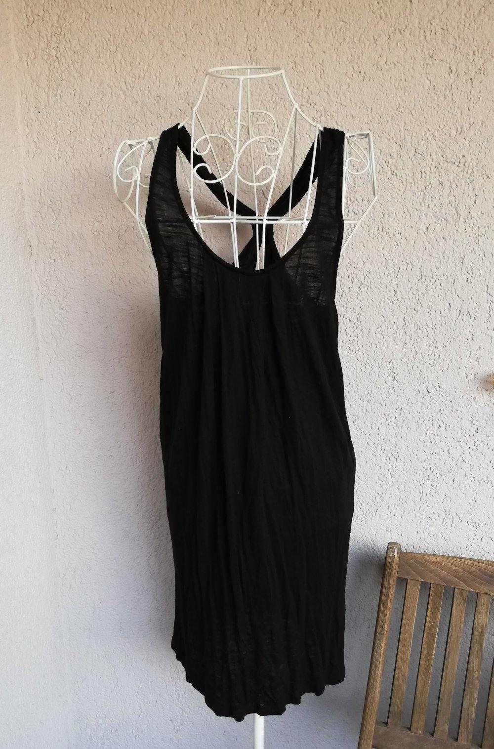 Super Schönes Sommerkleid Mit Schönem Ausschnitt Und