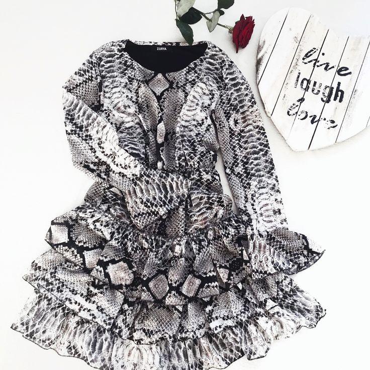 Süßes Kleid Mit Schlangenmuster Erhältlich Bei Www
