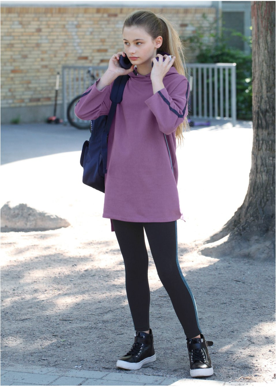 Sweatkleid Mit Kapuze Ultraviolett  Bpc Bonprix