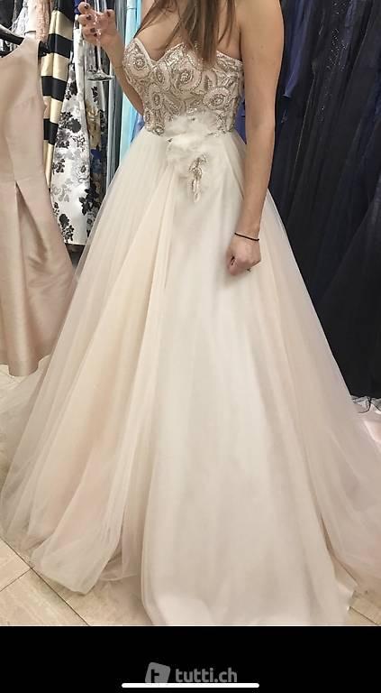 Tolles Hochzeitskleid/Ballkleid Von Liluca  Nie Getragen