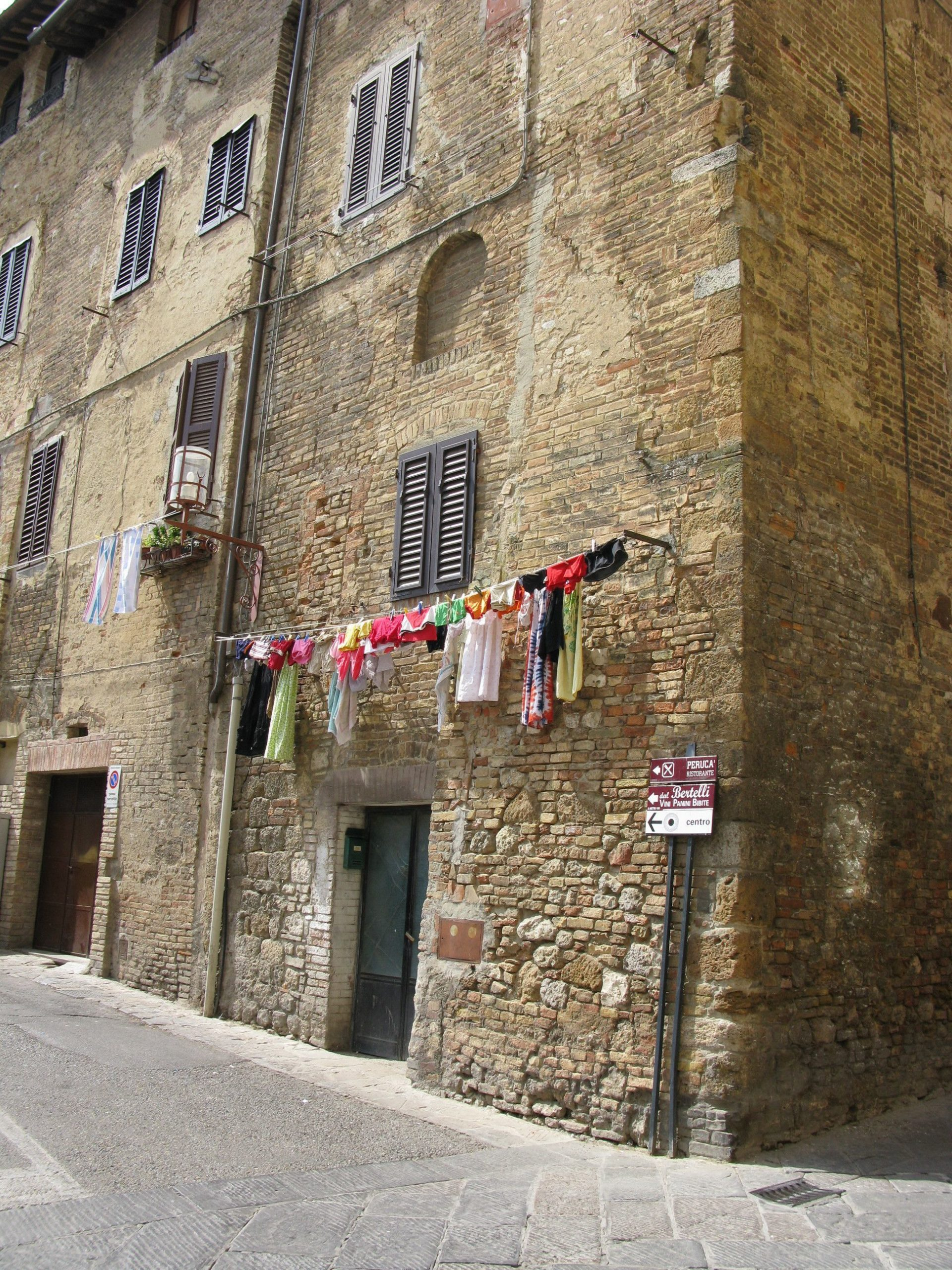 Tuscany Villas Photo Contest Entry  'Clever Clotheslines