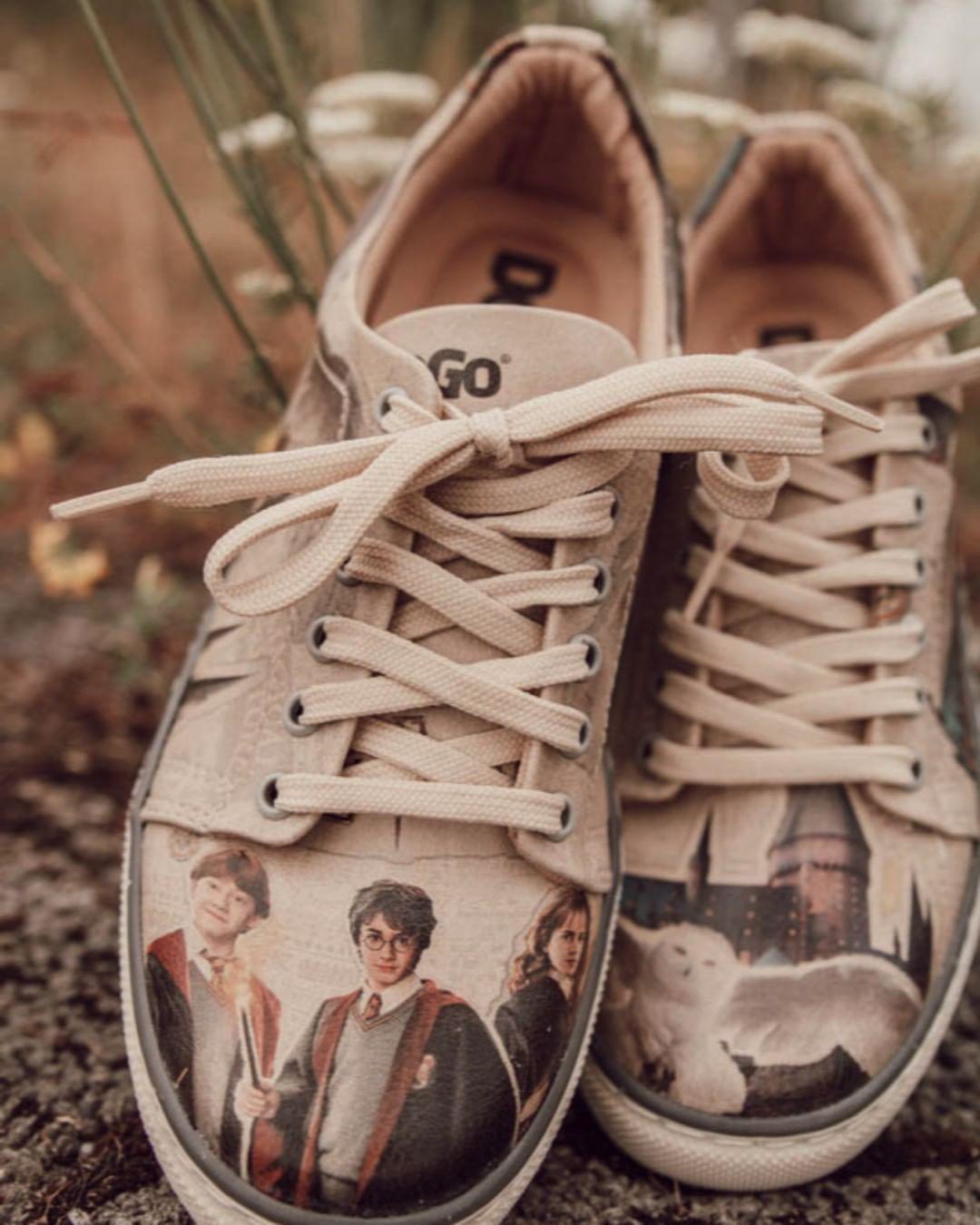Vegane Schuhe Mit Harry Pottermotiv Von Dogo Shoes Fair