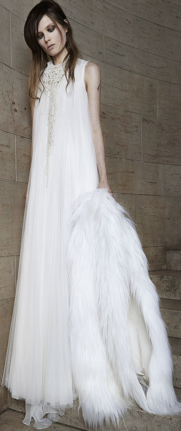 Vera Wang Wants To Seduce You With Her Wedding Gowns