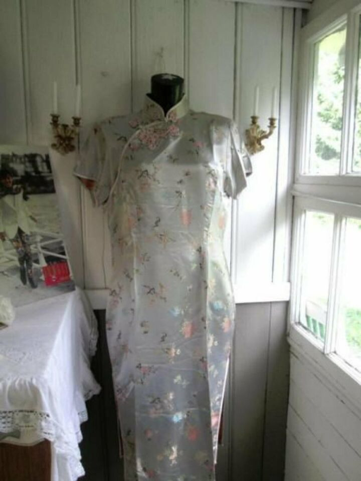 Verkaufe Hier Ein Chinesisches Kleid Aus Den 60 Ern