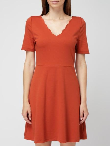 Vila Kleid Mit Vausschnitt In Rot Online Kaufen 1001114