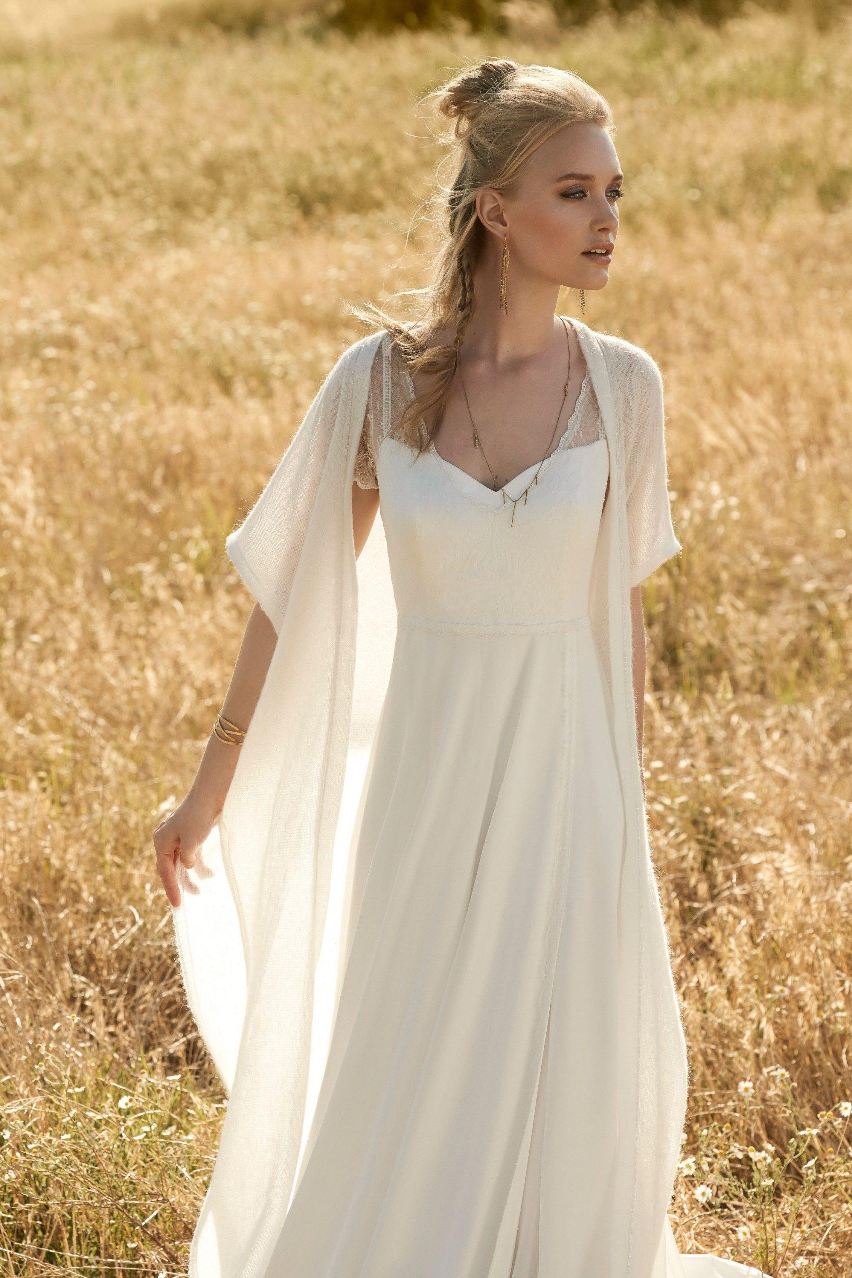 Vintage Brautkleid Mit Überwurf In 2020  Brautmode