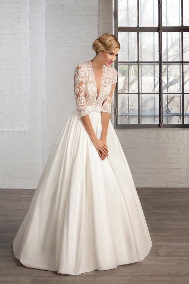 Vintage Schnitt Für Dieses Hübsche Hochzeitskleid