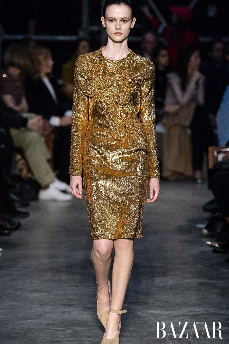 Warum Das Goldene Kleid Der Wichtigste Modetrend Im Winter
