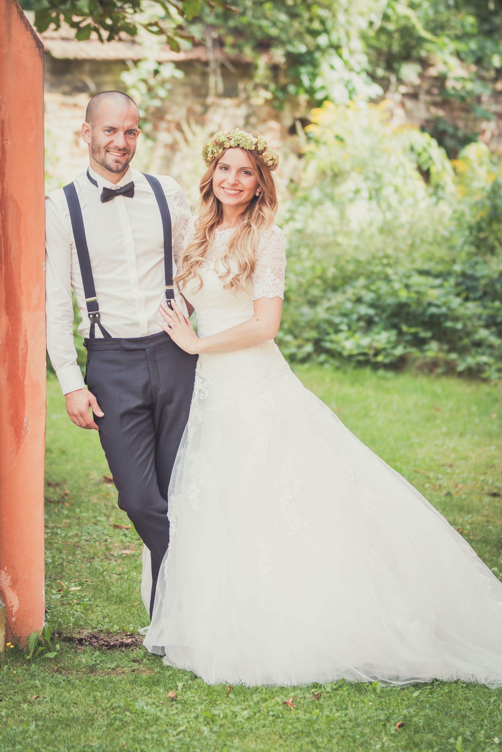 Weddicted Feelings Romantische Hochzeit In Baden  Kleid