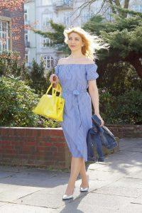 Weißblau Gestreiftes Kleid Mit Bildern  Gestreiftes