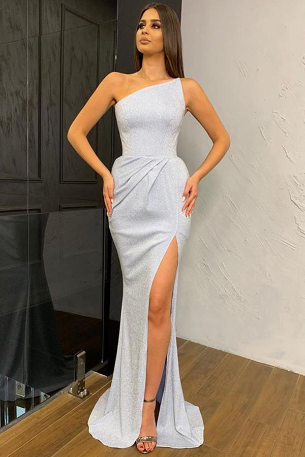 Weisses Schulterfreies Kleid Mit Schlitz