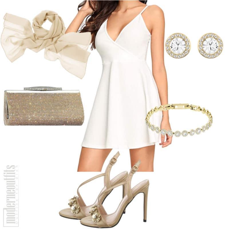 Weisses Sommerkleid Für Frauen Mit Stola Und Sandaletten