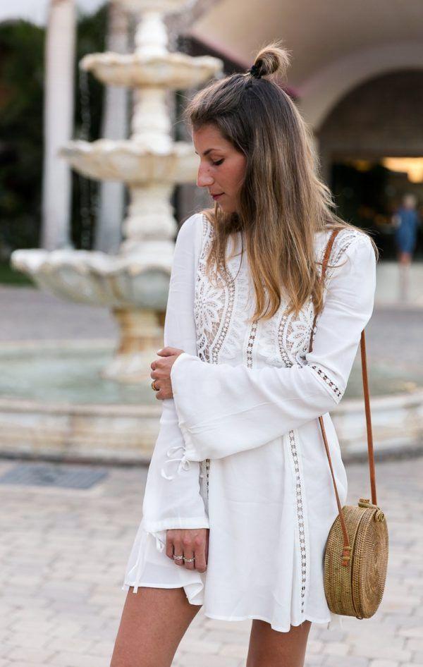 White Lace Dress  Round Bali Bag  Weißes Spitzenkleid