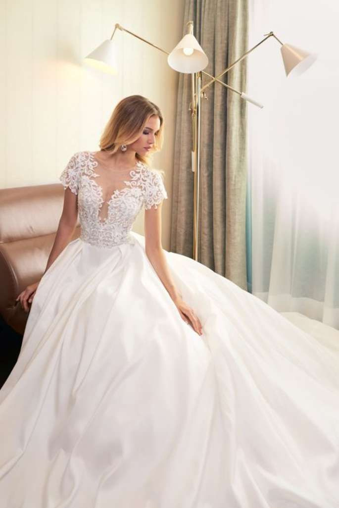 Wie Sie Ihr Brautkleid Richtig Auswählen  In 5 Schritten