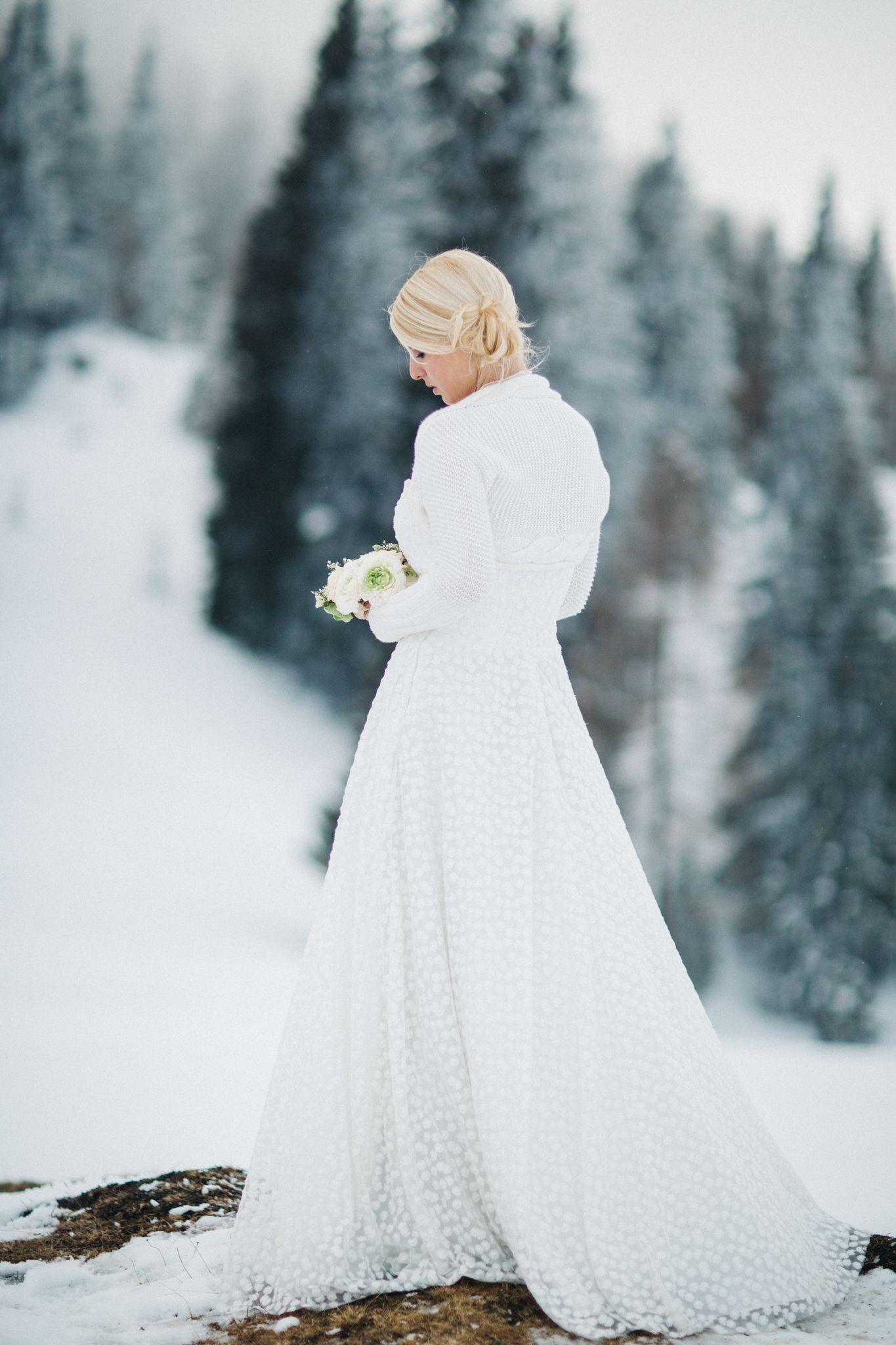 Winter Hochzeit Kärnten  Braut Hochzeit Brautkleid