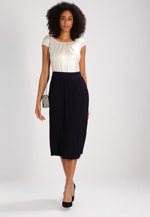 Zalando Damen Kleider Comma  Stylische Kleider Für Jeden Tag