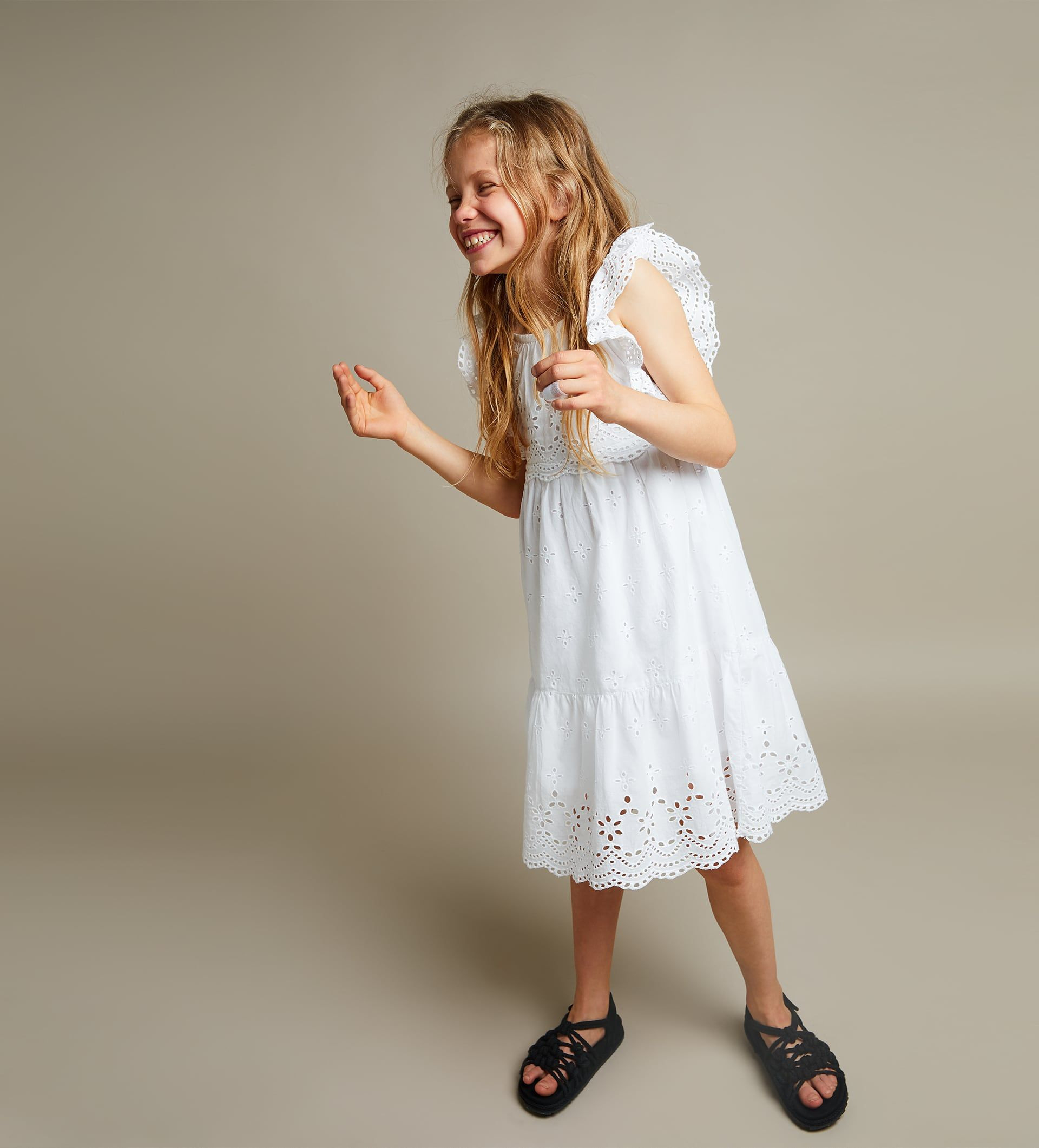 Zara  Kids  Swiss Embroidery Dress  Kleider Modestil